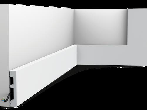 Moderne plint SX157 Orac Decor® (gespoten in RAL 9003)